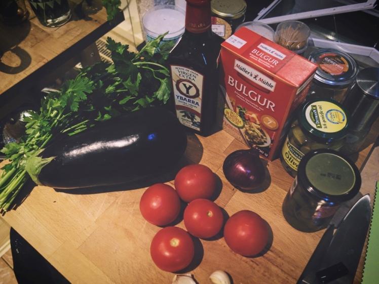 Ingredienser för siciliansk auberginegryta