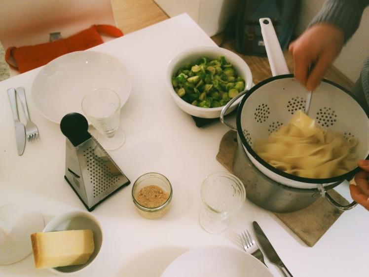 Brysselkålspasta-serveringsförslag