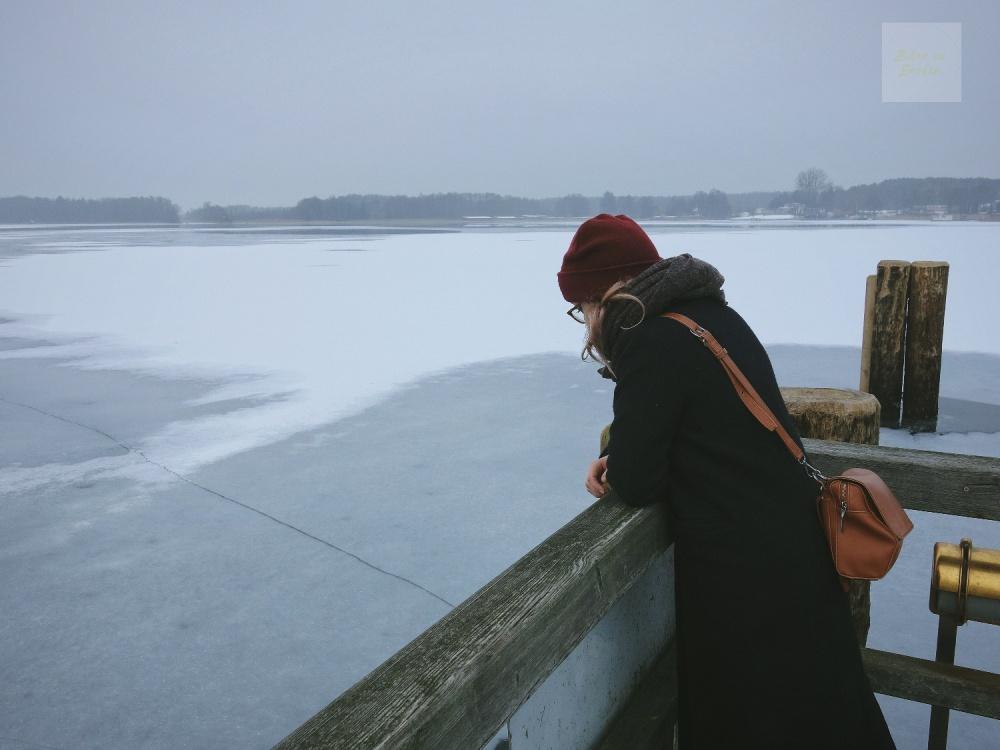Rheinsberg-titta-ut-över-sjön