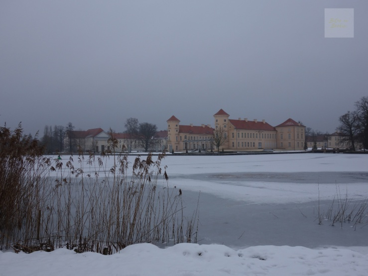 Rheinsberg-Slott-from-afar